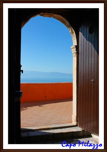 Bisogna che una porta sia tutta aperta o tutta chiusa - Milazzo (533 clic)