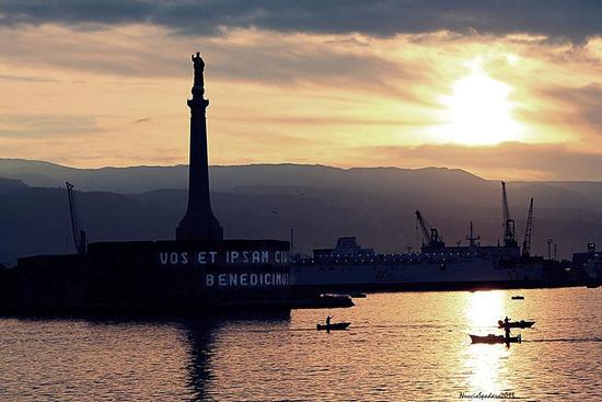 La Madonnina del porto - Messina (751 clic)