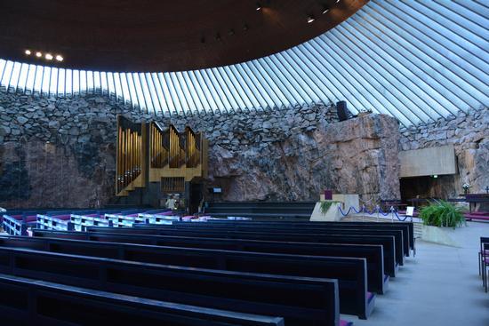 FInlandia, Chiesa scavata nella roccia in Helsinki (293 clic)