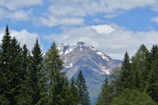 Montagna affacciata su lago (191 clic)