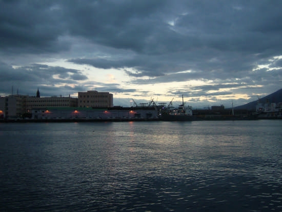 alba al porto - NAPOLI - inserita il 18-Nov-07