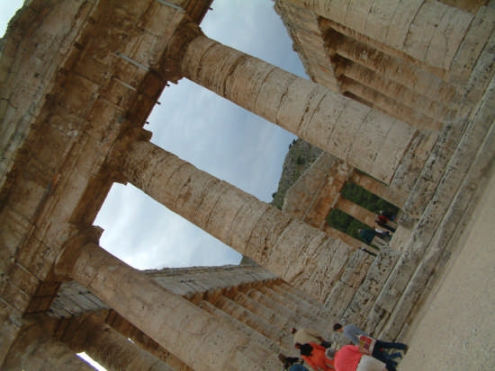 il tempio... - Segesta (3131 clic)