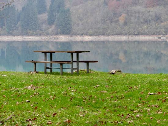 Colazione con vista sul lago - Barcis (236 clic)