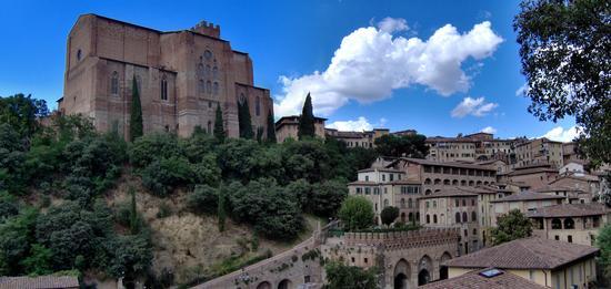 Siena, basilica di S. Domenico - Siena - inserita il 27-Dec-17