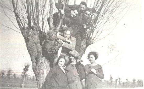 Ragazzi & Ragazze 1926 - Alfonsine (586 clic)