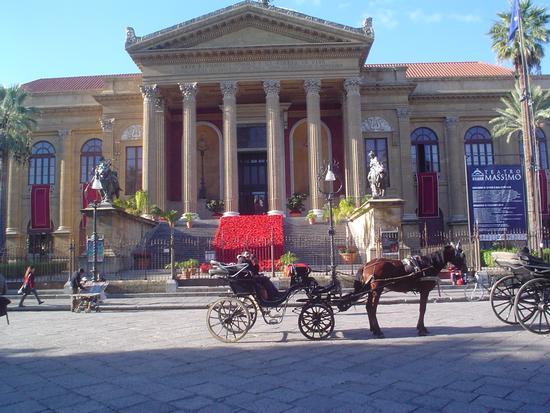 Teatro Massimo Natalizio. - Palermo (2899 clic)