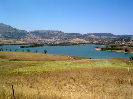 Lago tutto siculo - Piana degli albanesi (1466 clic)