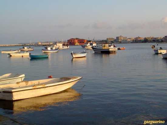 Barche e Casa Rossa di Vitaliano Brancati - Marzamemi (5246 clic)