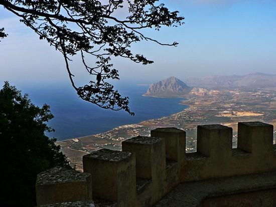 monte Cofano visto da Erice (3728 clic)