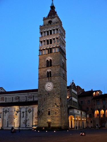campanile della cattedrale  - Pistoia (1869 clic)
