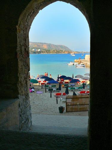 ingresso a mare - Cefalù (6178 clic)