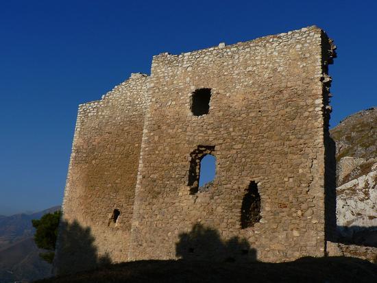 le finestre rimaste - Caltavuturo (2814 clic)