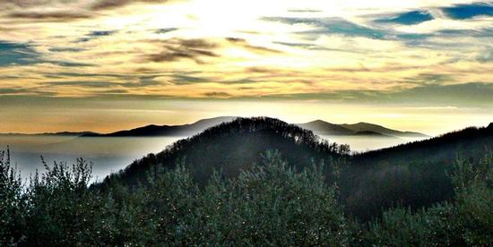primo tramonto 2012 - Marliana (1520 clic)