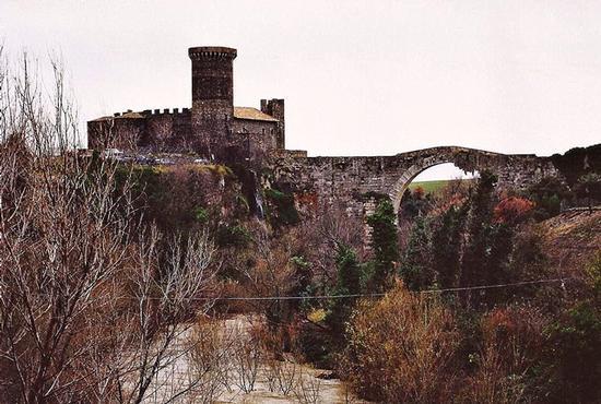 castello di Vulci (1243 clic)