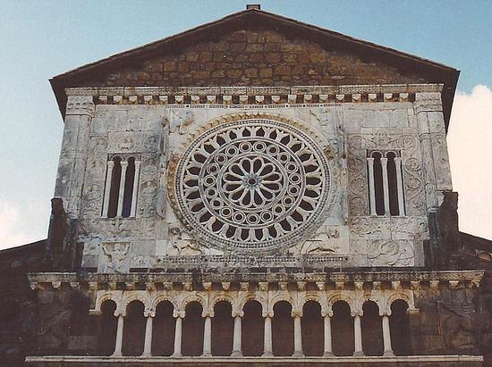 chiesa di S. Pietro - Tuscania (1872 clic)