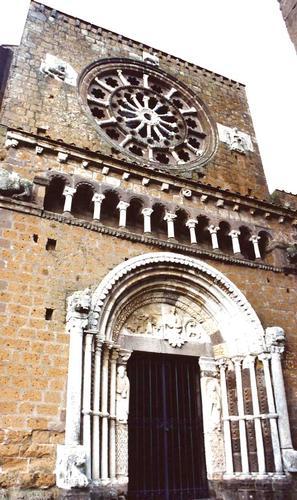 S. Maria Maggiore - Tuscania (1839 clic)