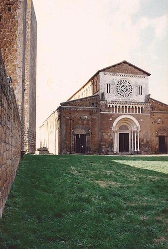 S. Pietro - Tuscania (1789 clic)