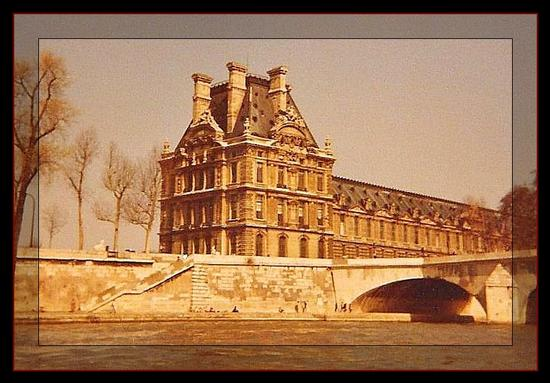 Louvre (674 clic)