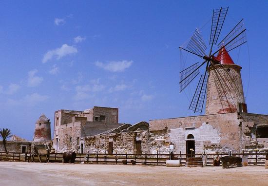 salina Calcara... museo a cielo aperto - Nubia (2973 clic)