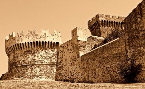 castello Populonia (1043 clic)