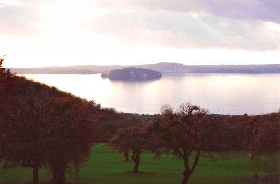 lago di Bolsena - LAGO DI BOLSENA - inserita il 02-Dec-11