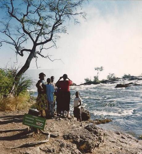 a 10 m dalla cascata (719 clic)