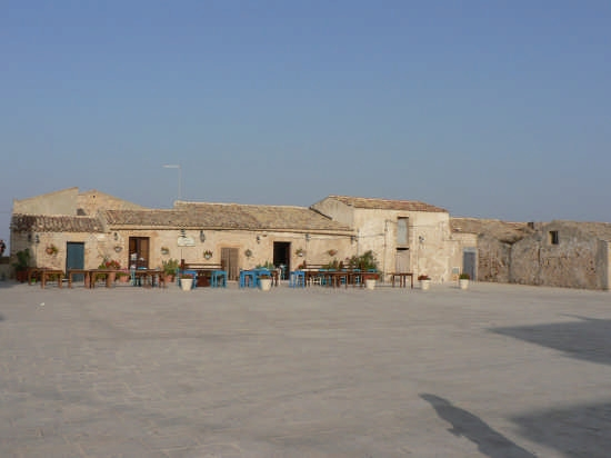 piazza - Marzamemi (4254 clic)