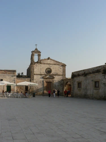 chiesa sconsacrata - Marzamemi (5830 clic)
