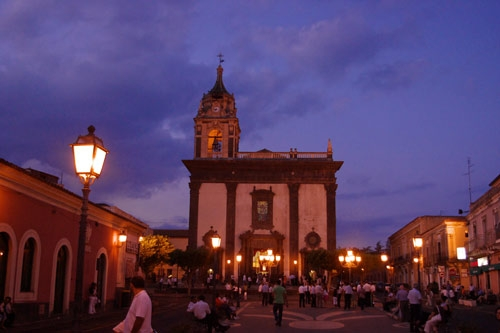 Piazza S. Mauro - Viagrande (4319 clic)
