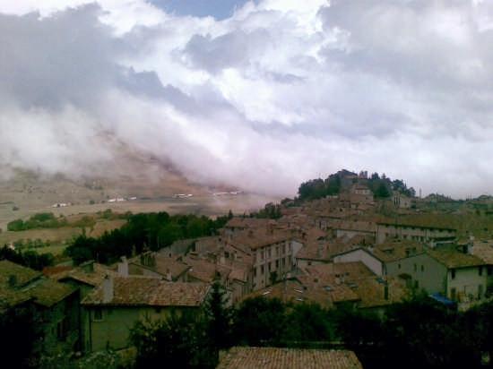 Si avvicina la tempesta... - Pescocostanzo (5116 clic)