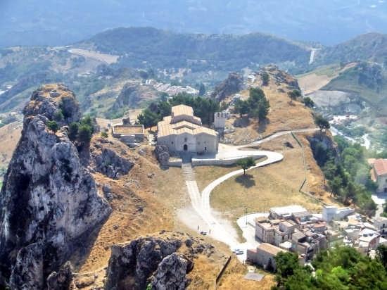 Panorama Chiesa medievale - Caltabellotta (6685 clic)