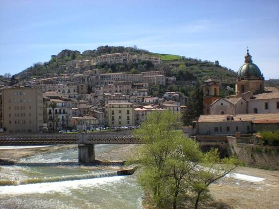 Veduta del centro storico e della cupola di San Domenico - Cosenza (3212 clic)