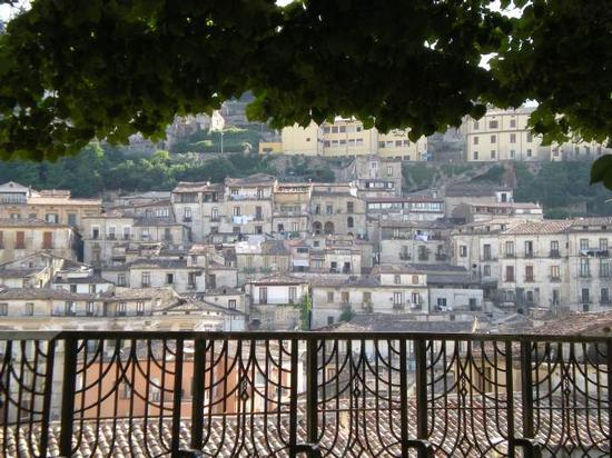 Veduta del centro storico da Colle Triglio - Cosenza (3898 clic)