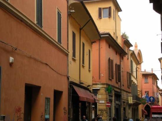 Abitazioni in centro - Bologna (2262 clic)
