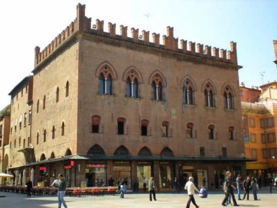 Piazza Maggiore - Bologna (3245 clic)