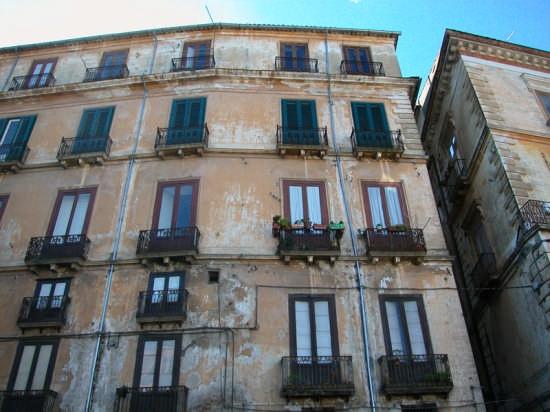 Palazzo storico - Cosenza (4123 clic)