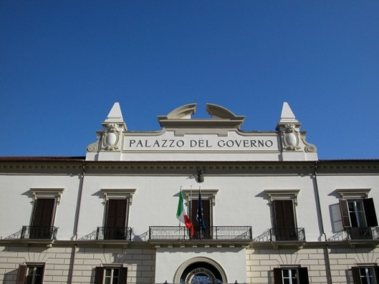 Palazzo del Governo - Piazza XV Marzo - Cosenza (4192 clic)
