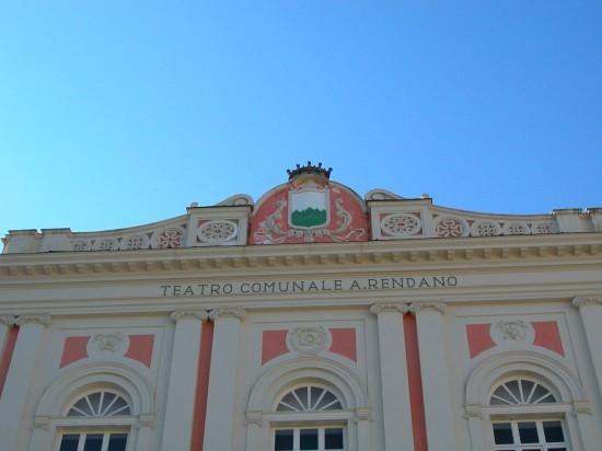 Teatro di Tradizione A.Rendano - Piazza XV Marzo - Cosenza (3367 clic)
