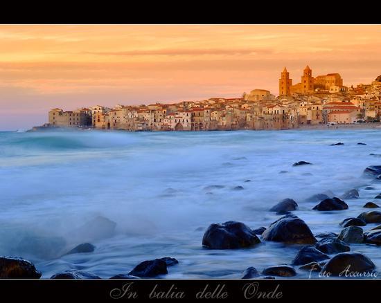 In balia delle onde - Cefalù (9144 clic)