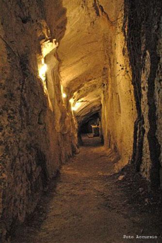 La grotta del drago - Caltabellotta (3926 clic)