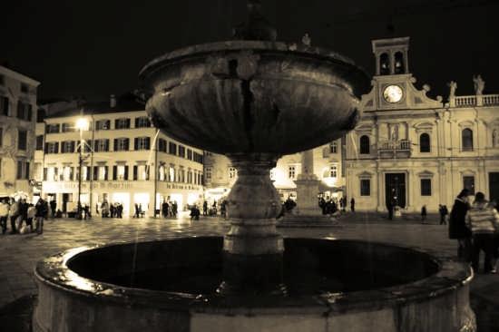 Piazza San Giacomo - Udine (12927 clic)