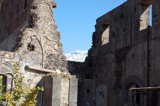 Etna e ruderi - Paternò (3109 clic)