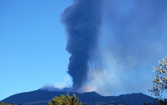 Etna in eruzione.2012 - Ragalna (2311 clic)