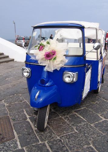 Ape Car per sposi. - Ischia (6967 clic)