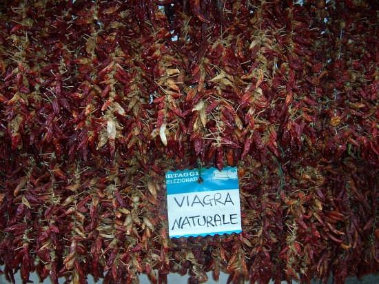 Per le vie del viagra.Amalfi - AMALFI - inserita il 29-Dec-07