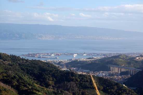 Porto e stretto di Messina - Castanea (3582 clic)