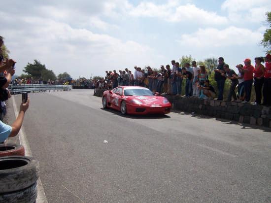 Ferrari alla Catania-Etna (3325 clic)