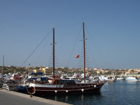 Lampedusa . Porto turistico (4187 clic)
