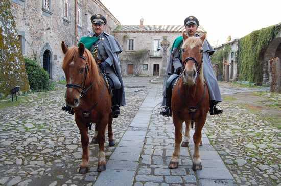 Guardie Forestali a cavallo - Maniace (7160 clic)