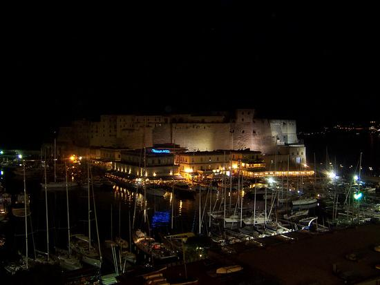 Napoli. Veduta del Castello dell'Ovo - NAPOLI - inserita il 14-Jun-10